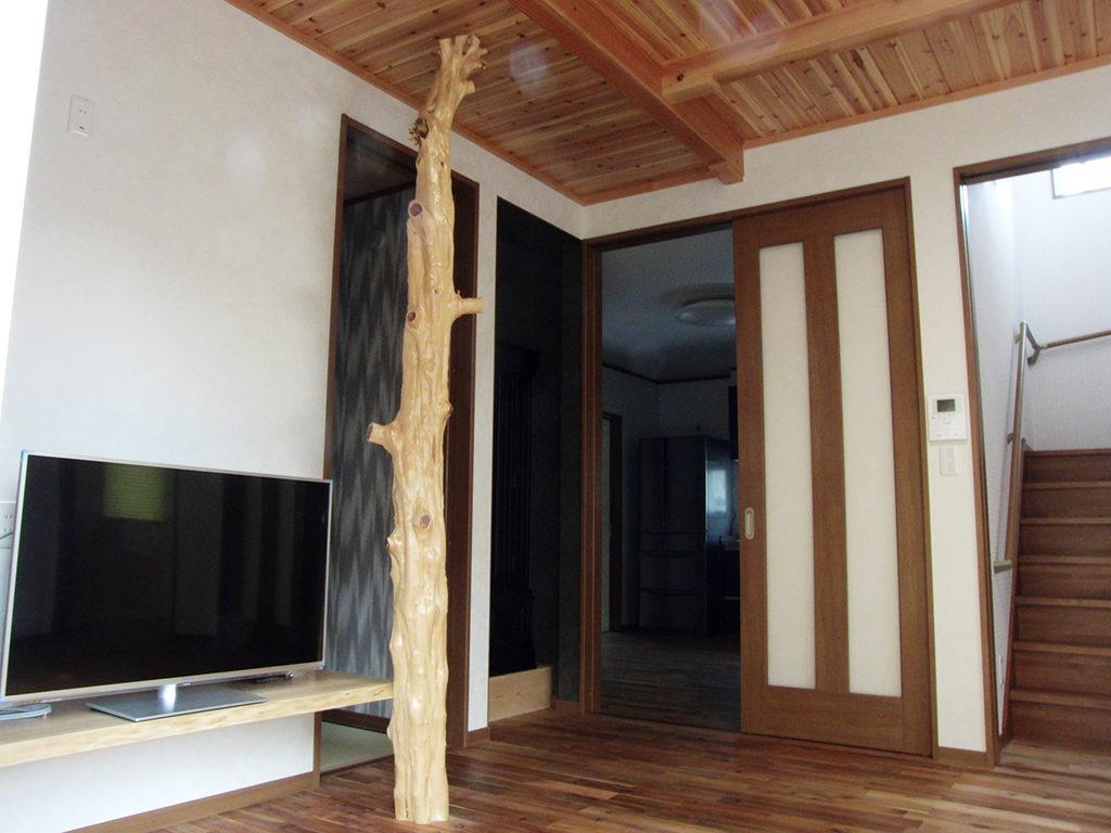 伊豆の国市古奈の新築住宅は無垢・天然素材にこだわったLDK